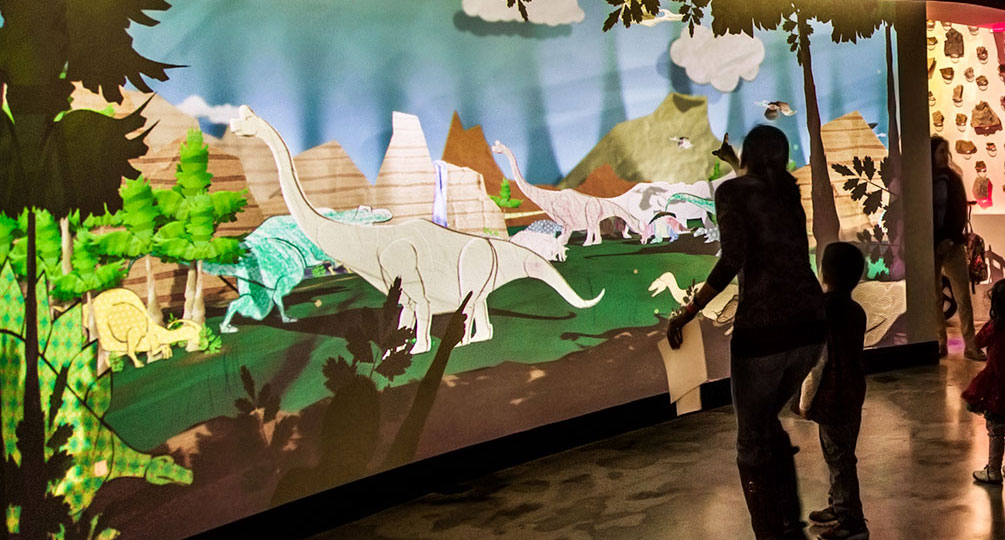 DinoLand immersive projection and object recognition activity
