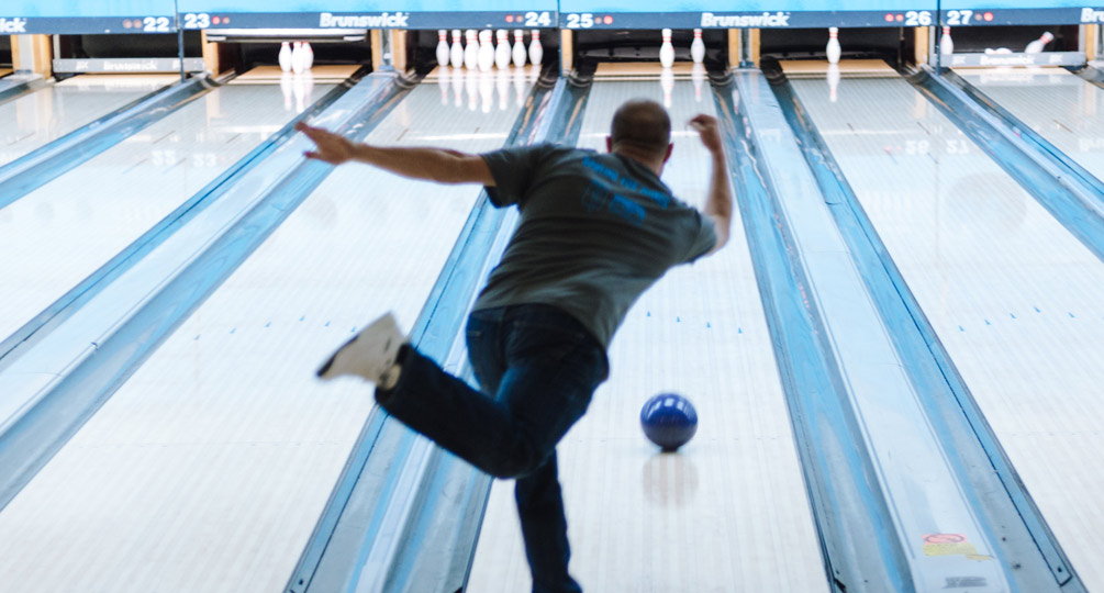 Ideum Sponsors Bowling for Rhinos Event to Support Endangered Species